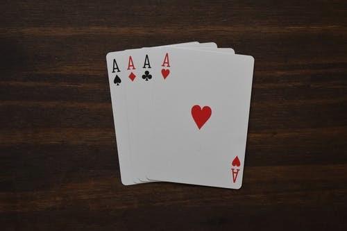 empat kartu remi